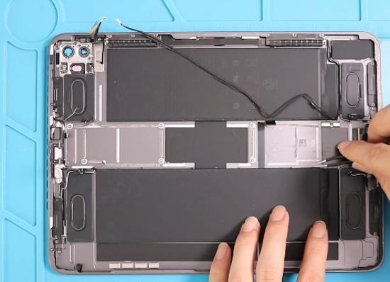 Ремонт дисплея iPad Pro 11 (2020) (A2228, A2068, A2230, A2231)