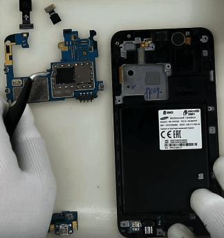 Ремонт замена стекла экрана дисплея Samsung J7 Neo