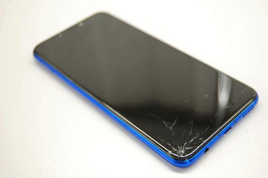 Разбитый Huawei P Smart Plus