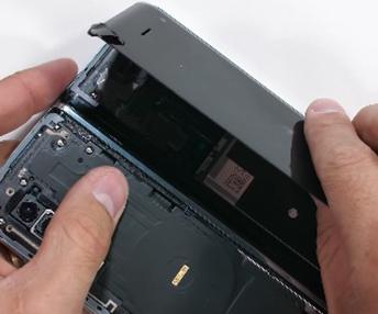 Ремонт-экрана-дисплея-Samsung-Galaxy-Fold