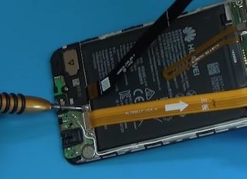 Ремонт замена стекла экрана дисплея Huawei Nova 2