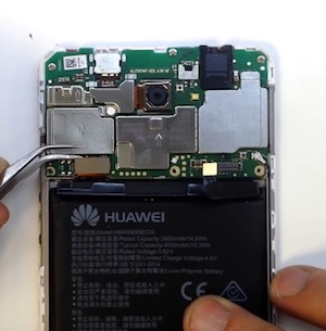 Ремонт замена стекла экрана дисплея Huawei Y7 2017