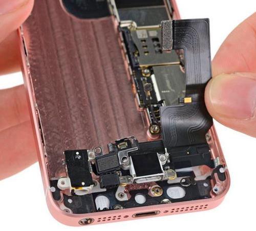 Ремонт дисплея iPhone SE